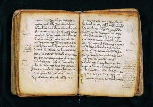 La Academia de la Historia vuelve a negarse a devolver las Glosas al monasterio de Yuso, pero La Rioja no se resigna