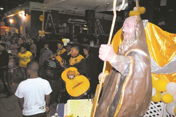 La programación en honor al patrono de San Millán incluyó una misa, procesión y fiesta celebrada en la comunidad. (Foto: Juan Cordero.)